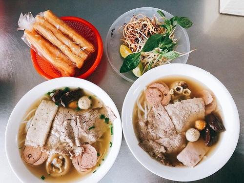 Quán ăn ngon trên cung đường hà nội tới sapa